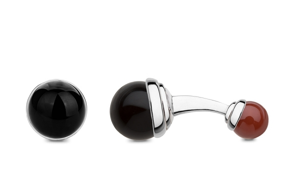 BALLS IN ONYX AND CARNELIAN